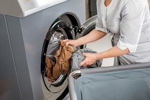 Washing and Drying Service in Modern Laundry